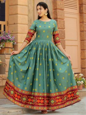 Aradhana Hunter Green Cotton Print & Work Kurti